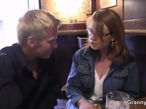 Boozed mom gets her old pussy pounded