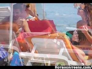Bikini Cameltoe Beach Girls Voyeur HD Video