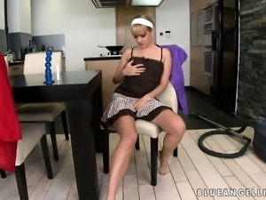 Sensual blonde housewife seizes the chance to satisfy her sexual needs
