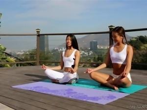 Alina Li And Veronica Rodriguez Sexy Yoga