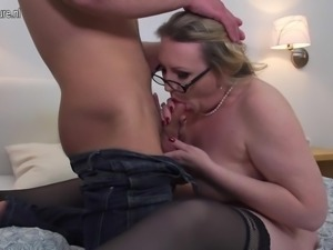 Mature lady fucking her toy boy hard and long
