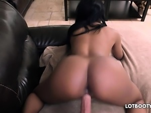 Ebony big ass beauty Aaliyah Grey gets fucked white cock