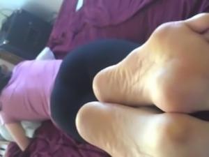 kristie yoginny foot worship, dirty smelly feet