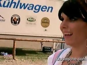 Aische Pervers - Public Blowjob - Anal Sex - Cumwalk at german Oktoberfest
