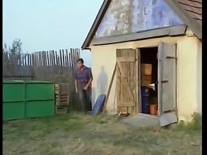 I giochi anali delle porno sorelline (1994)