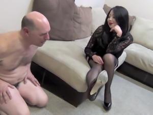 Mistress Natsumi Tanaka pathetic 2 finger masturbator