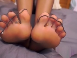 goddesses amazing feet in super sexy sheer nylons / pantyhose Foot-fetish,...