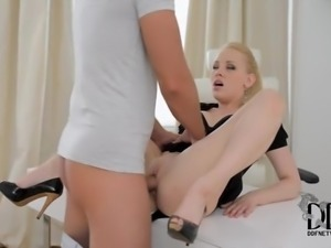 Pink output in ass by loveful blonde
