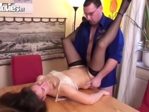 Amateur likes cum in her eyes
