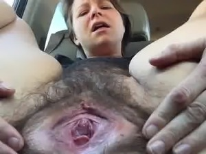 mature open her pussy at the car
