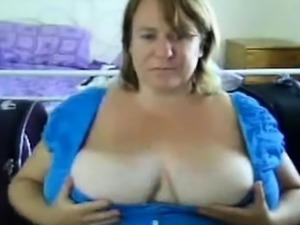 Super Boobs Mom Tess Live on webcam