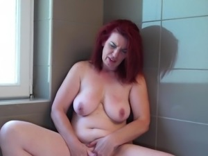 Mature mother with saggy tits and hungry clit