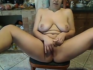 Inexperienced sexy woman that is white rests about webcam's