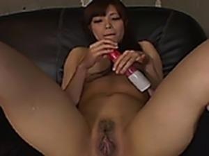 Yuri Etou Asian model enjoys fingering her pussy and Pissing