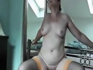 Wife has tremendous climax on dildo seat