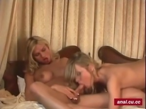 Round butt shemale blonde is enjoying awesome threesome sex