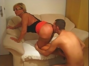 Young Guy Licks Asshole Of Mature Woman And Jerks Off