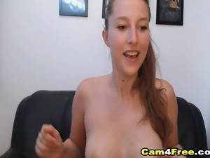 Horny  Babe Squirting Pussy on Cam