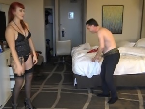 Lady Karma destroys the balls of Andrea Dipre