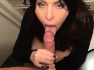 GF on bathroom obtain cumshot and pull his BF