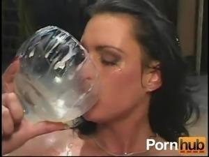 DRINKERS SEMEN Michelle Raven