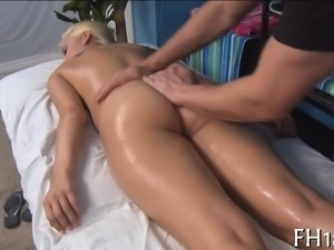 Gal widens legs wide and begins pushing sextoy in her cunt