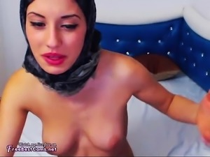 Naughty Arab Goes Against Her Allah And Tease On Webcam