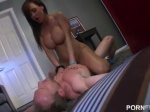 PORNFIDELITY - Lisa Ann Gets Her Tits and Face Covered in Two Huge Loads