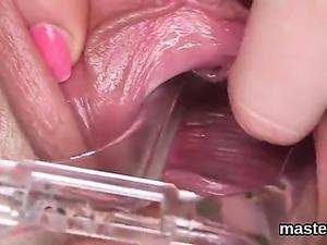 Frisky czech cutie opens up her juicy hole to the strange