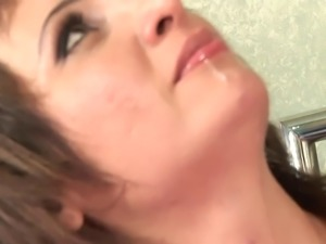 Curvy MILF gets facial after getting nailed in bed