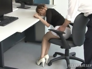 Yummy Miyuki Yokoyam Goes Really Hardcore In The Office