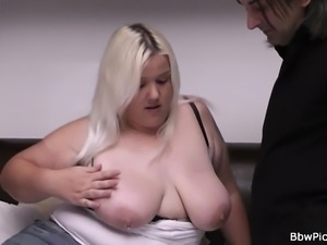Date sex with blonde plumper