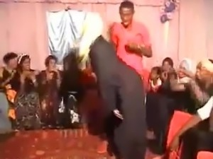 Hijabi Slut dancing and grinding