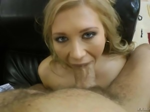Hot naked chick Jessy Brown with big beautiful eyes gets her mouth stretched...