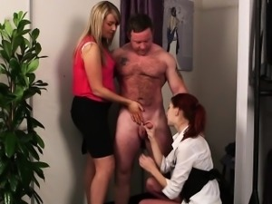 British CFNM babe sucking blokes cock in trio