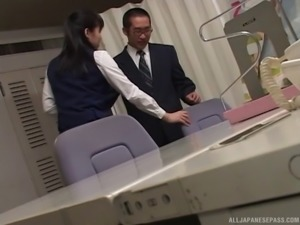 Eager Japanese secretary blows the boss in the office