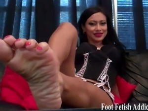 My sexy size 6 feet need to be pampered daily