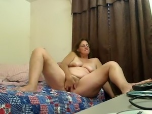 Hairy granny plays for you