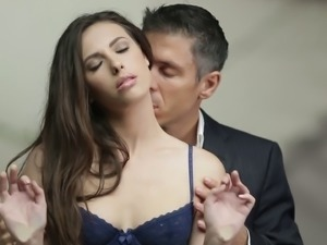 Casey Calvert gets fucked in a hot blowjob and erotic bang action