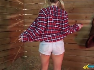 Juggy village chick Sarah shows her sexy booty and juicy slit
