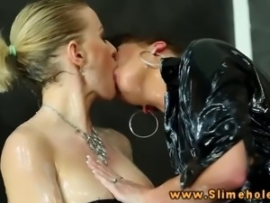 Natalia Broox and Vicktoria Redd getting cumshot