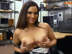 Big tits amateur brunette woman railed by pawnshops owner