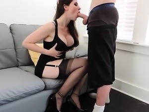 Rookie blowjob Earline from 1fuckdatecom