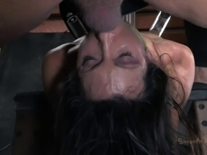 Skinny lady's nice lips ravished by a guy with a hard cock