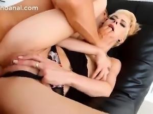 Russian anal mature loira coroa dando cu gostoso
