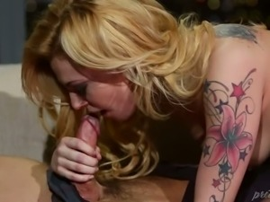 Spoiled tattooed blondie Dahlia Sky sucks kinky buddy off in extreme 69 pose