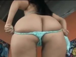 BBW girlfriend gets her ass licked