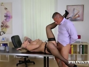 Kayla Green fucks her boss in the office