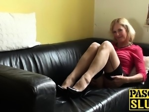 Horny british mature Molly masturbates with hitachi wand