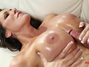 Reagan Foxx looks so good with a pulsating dick in her pussy